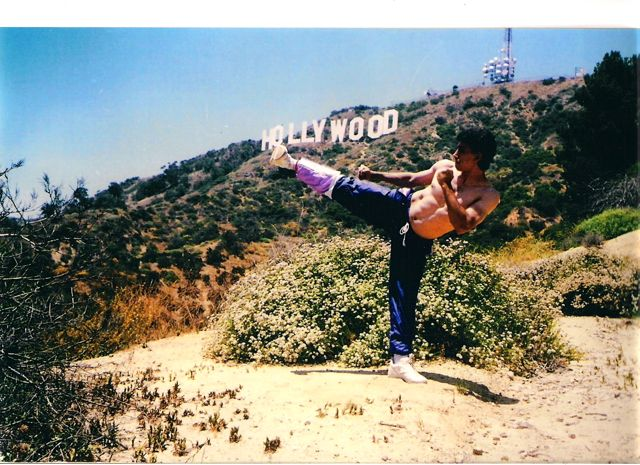 High kick Hollywodd