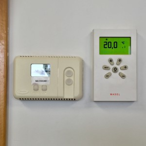 Temperatura del termostato en sala de espera en clinica
