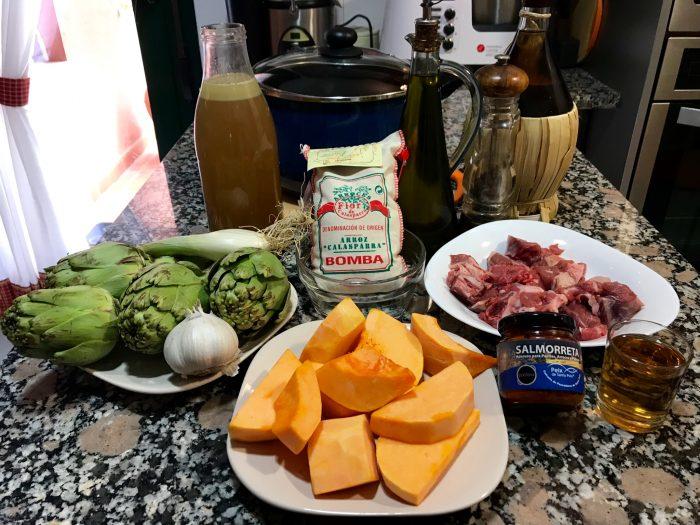 arroz meloso de cordero, calabaza y alcachofas.