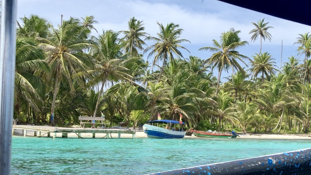 Las Islas de San Blas (Panamá) en la Provincia del mismo nombre que el pueblo indígena